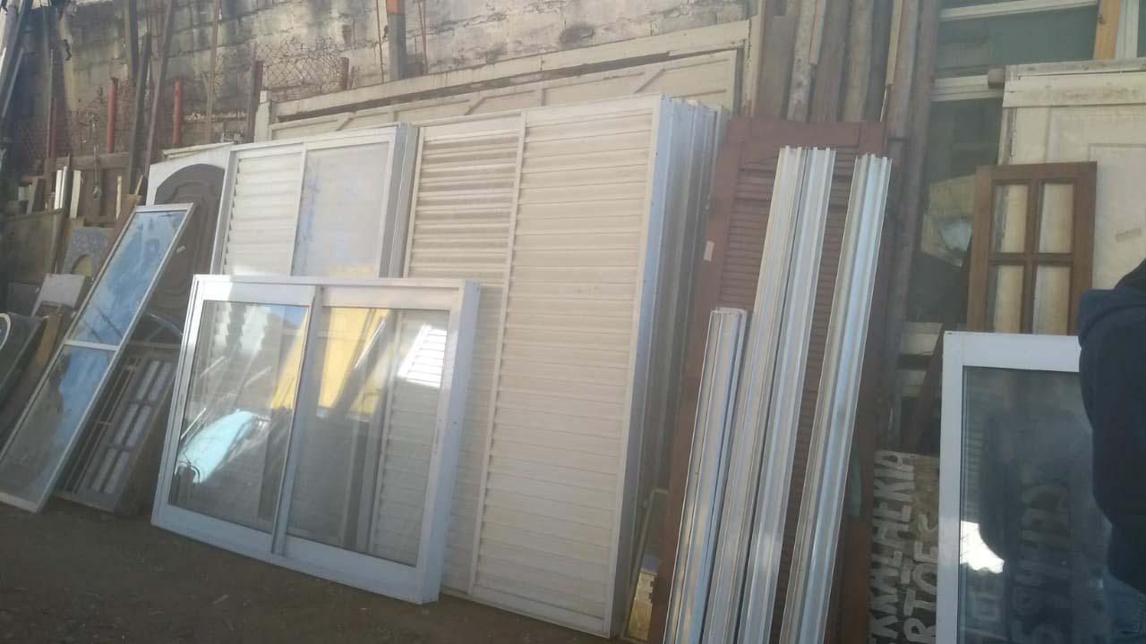 Compra e venda de material de demolição