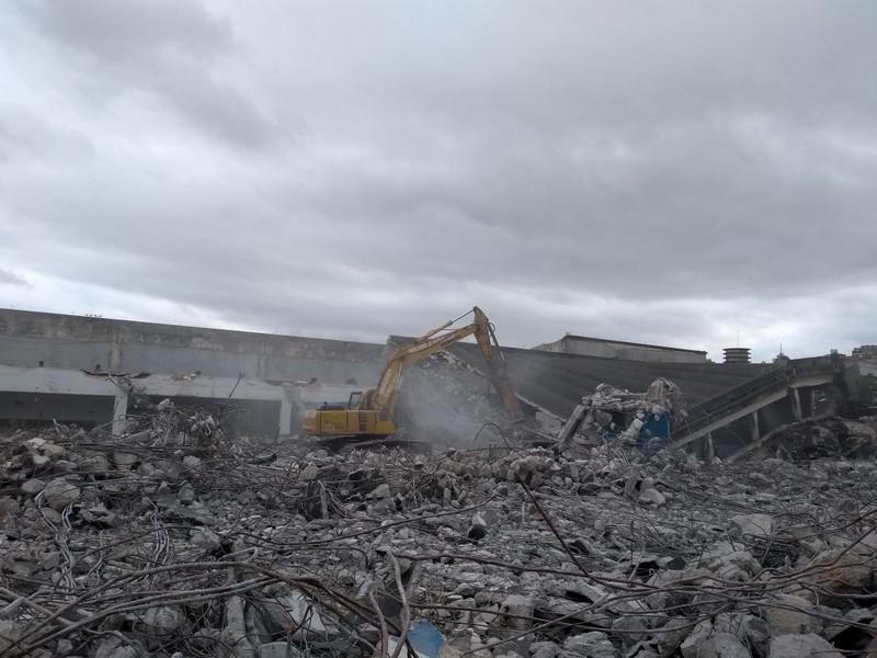 Demolição de estruturas de concreto