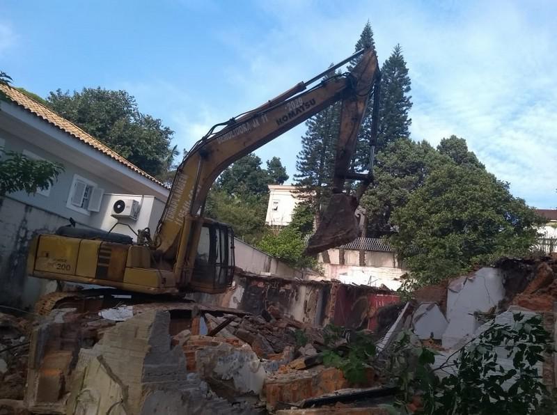 Empresa de demolição com reciclagem