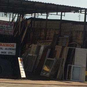 Deposito de material de demolição