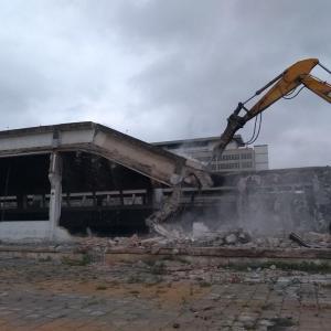 Empresa de demolição demolidora